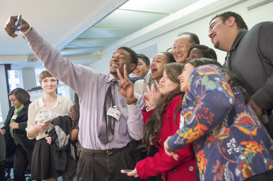 CHS students pose for selfie with World Bank President Jim Yong Kim, Feb 2014.  (Credit: Matt Cone)